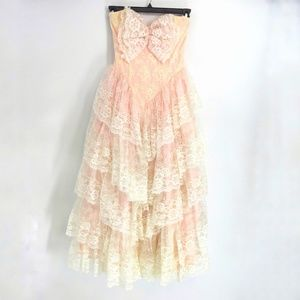 Vintage Pink Lace Strapless Prom Dress
